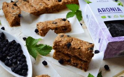 3 rețete simple pentru deserturi sănătoase cu fructe de aronia